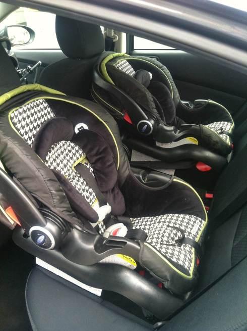 twins car seat